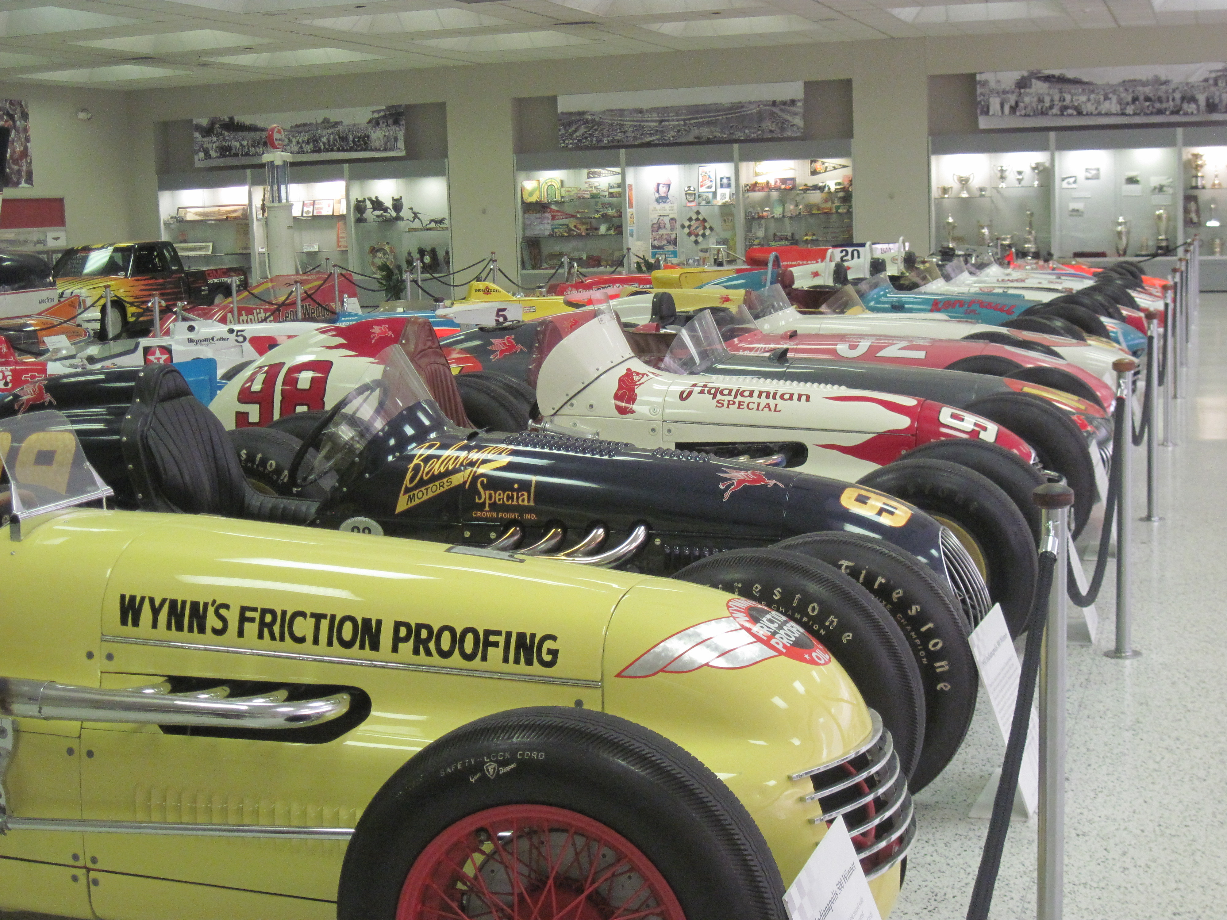 Cars galore at indianapolis motor speedway florida hikes for Indianapolis motor speedway clothing