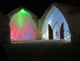 01-icehotel