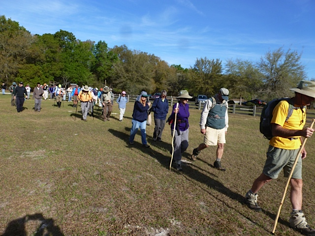 Hikers leaving the Cassia Trailhead