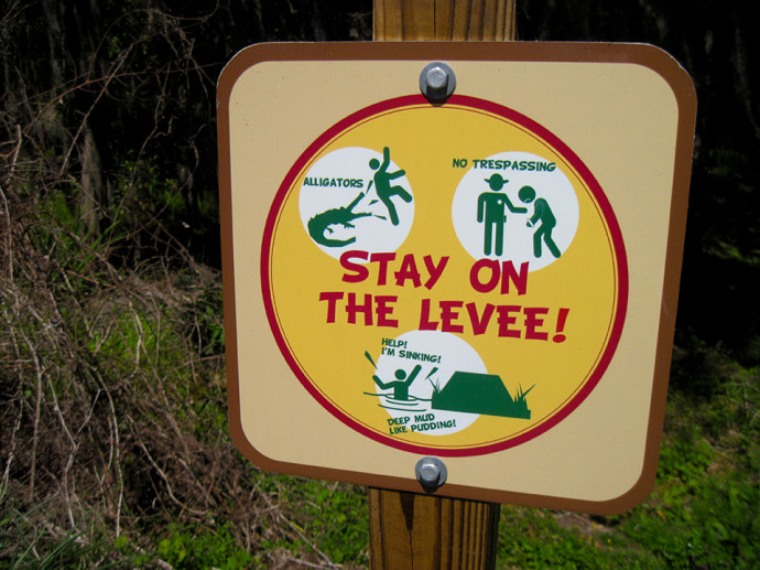 Warning sign on the Barr Hammock Trail