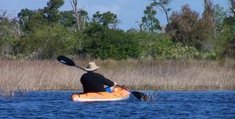 Paddling to St Lucie Inlet Preserve (Lori Burris)