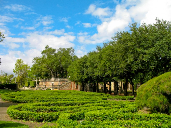 Labyrinth hedges in the formal garden