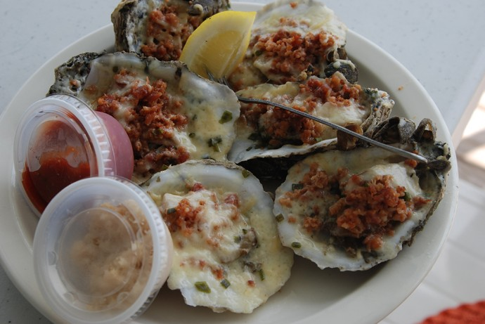 Apalach oysters at Captain Snooks