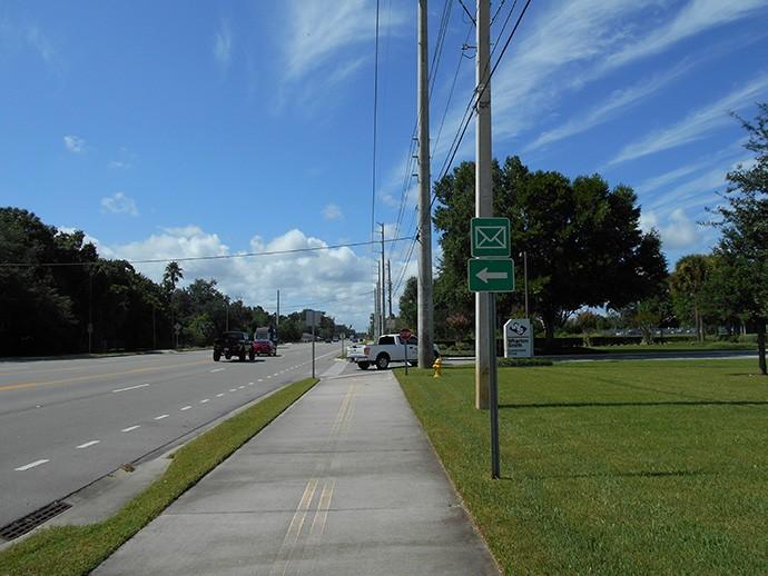 CR 15 bike path