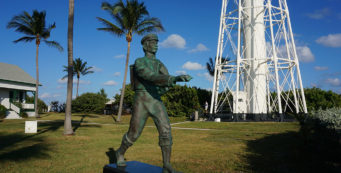 Statue honoring the Barefoot Mailman