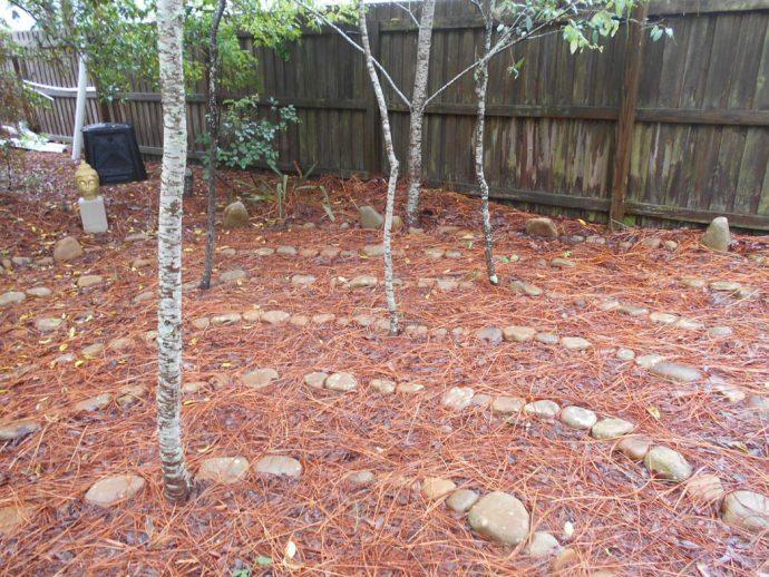 Paalvast garden labyrinth