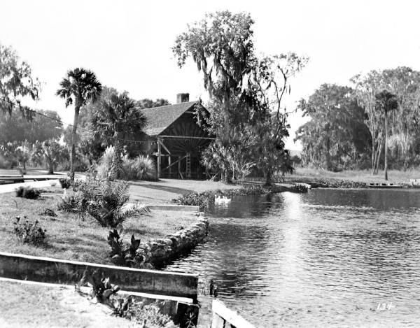 1930 De Leon Springs waterwheel