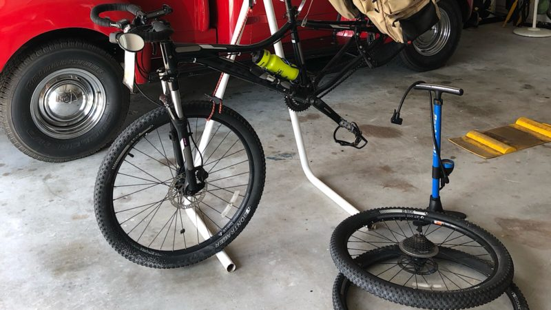 Bike stand for tire changing